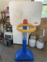 Little Tykes Basketball Hoop