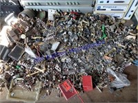 LOT OF OBSOLETE ELECTRONICS & MORE