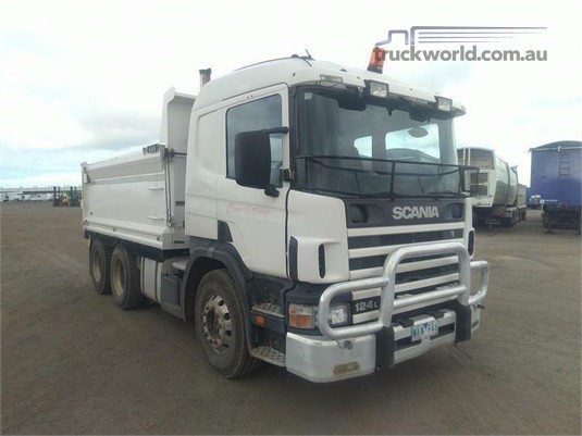 2002 Scania P124L420 - Trucks for Sale