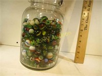 LARGE JAR OF MARBLES TONS OF SHOOTERS