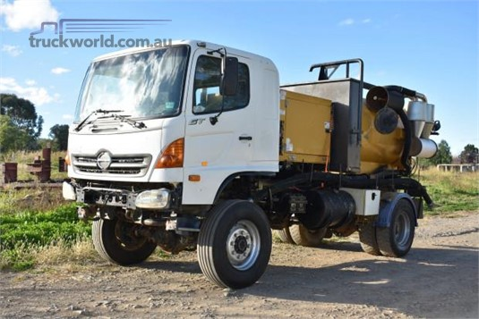 2003 Hino Gt1j - Trucks for Sale