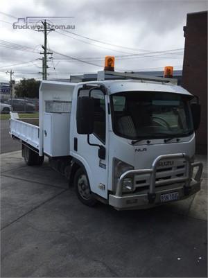2010 Isuzu NLR 200 - Trucks for Sale