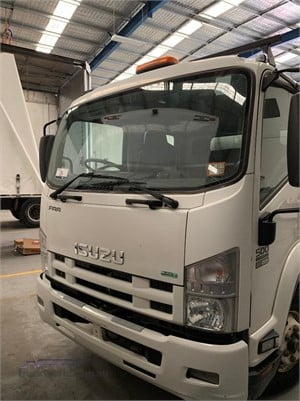 2016 Isuzu FRR500 - Trucks for Sale