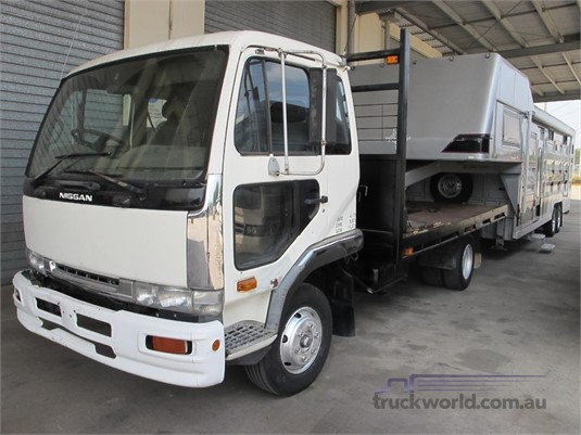 1996 NISSAN MK210 - Trucks for Sale