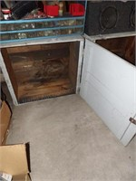 Wooden hinged crate