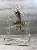 OUTDOOR WALL HANGING PLANT HOLDER W WINDCHIMES
