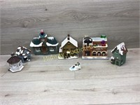 6 PIECE CHRISTMAS TOWN SOME DAMAGE