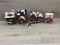 4 PIECE CHRISTMAS TOWN
