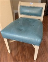 21 - BEAUTIFUL BLUE ACCENT CHAIR
