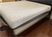 21 - BEAUTIUFL KING MATTRESS & BOX SPRING