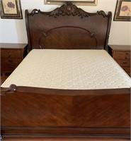 21 - BEAUTIFUL KING SOMERTON BED & NIGHTSTANDS