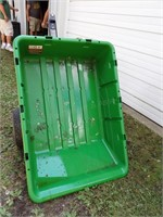 John Deere 10P Poly Tub Lawn Cart