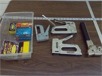 Staple guns - 4pcs w/ staples