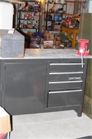 Craftsman Work Bench w/ Small Vice