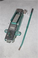 Sears 1 1/2 Ton Floor Jack W/ Handle