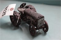 Cast iron tractor - Red