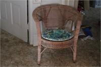 Round back wicker chair w/ pad