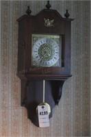 Wall mount pendulum clock