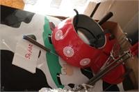 Fondue set & placemats