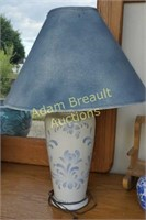 Decorative blue & white 26 inch table lamp