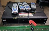 Dish Network vip722k receiver and 4 remotes