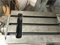 Bridgeport model 90671 milling machine, 1HP 3Phase