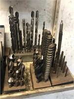 Lot with numerous asst. drill bits