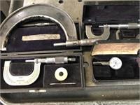 Lot with sine bar, micrometers, radius gauges,