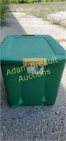 Sterilite 22-gallon green storage tote