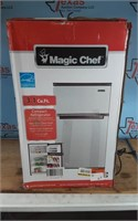 MAGIC CHEF 3.1 CU FT COMPACT REFRIDGERATOR
