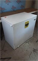 HMCF7W4 7.0 CU. FT. CHEST FREEZER WH
