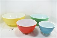 Set of Pyrex Nesting Bowls