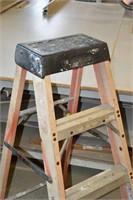 4 ' Fiberglass Step Ladder