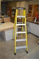 6' Fiberglass Step Ladder