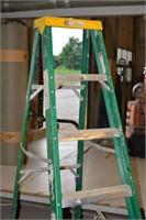 7' Fiberglass Step Ladder