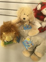6 cute stuffed  animals, perfect for a child.