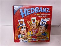 Hedbanz Game appears to be unused