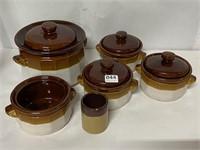 Set of pottery