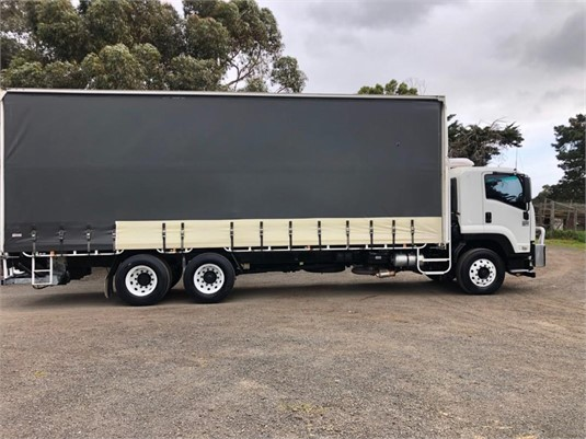 2013 Isuzu FVM - Trucks for Sale