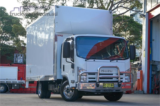 2014 Isuzu NNR 200 - Trucks for Sale
