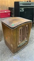 Empty General Electric Radio Case: Damaged