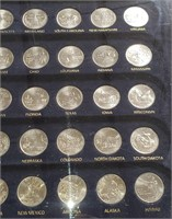 BEAUTIFUL CASE W/ US STATE QUARTERS (76)