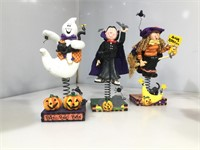 Lot of assorted Halloween items, cups and more