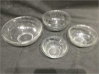 Vintage Pyrex nesting bowls, approx 13 inches