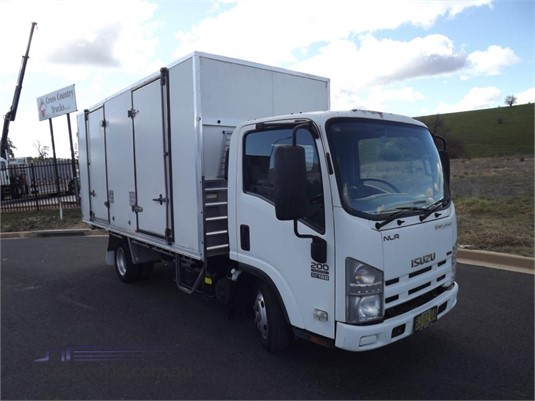 2010 Isuzu NLR 200 - Trucks for Sale