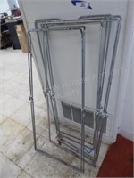 4 Metal work stands