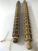 2 wood rolling pins