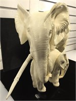 Lg Elephant Mother with calf, as is, resin