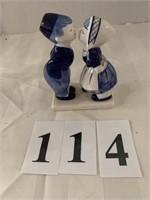 Delpht Blue Figure - Kissing Boy & Girl