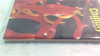 Chihuly at the VA art glass book new